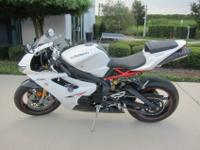 Stylish 2011 Triumph Daytona 675R! Just 5k miles!Sporty