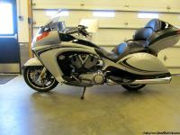 2011 Victory Vision tour model with the 2 tone paint