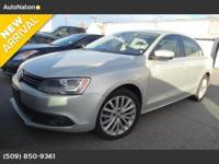 Exterior Color: white gold metallic, Body: Sedan,