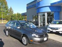 **ONE OWNER-CLEAN CARFAX, 2011 JETTA SE WAGON,