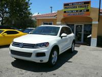 Options:  2011 Volkswagen Touareg Vr6 Lux Awd 4Dr