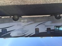 2011 Winnebago Sightseer 34 ft, (2) 15000 BTU air/heat