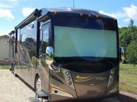 2011 Winnebago TOUR 42AD  Meticulously cared for and