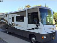 2011 Winnebago Vista 32K, We are second owners of this