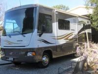 Winnebago Vista,26 feet in length, 2 slides, automatic