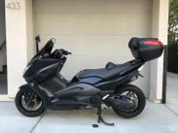500 - MAXI SCOOTER W/ FULL OPTIONS - IMMACULATE BLACK /