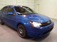 2011 Ford Focus SES ** 33 MPG ** Looks Great and LOW