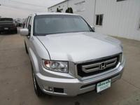 This 2011 Honda Ridgeline RTS AWD is a great vehicle