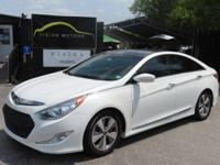 Hi Im selling my 2011 Hyundai Sonata Hybrid, with