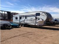 2011 Keystone Cougar 318SAB 5th Wheel. Length 35FT-