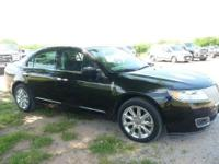 2011 LINCOLN MKZ AWD! BEAUTIFUL 1 OWNER WITH VERY LOW