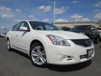 One Owner & Low Miles Nissan Altima 3.5 SR!