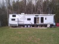 2011 Wildwood 408 loft Grand lodge. Set up as a