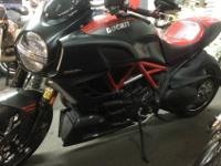 2011 DUCATI DIAVEL CARBON EDITION , 1098CC