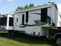 Type of RV: Fifth Wheel Year: 2012 Make: Forest River