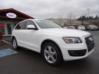THIS 2 OWNER LOADED Q5 IS IN GREAT CONDITION INSIDE AND