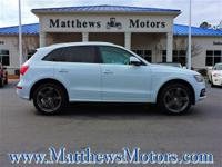 **QUATTRO**NAVIGATION**PANORAMIC SUNROOF**S-LINE