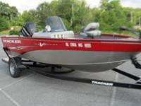 ,,,,,,,,,2012 Tracker Pro V 175 guide series boat. This