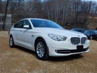 Exterior Color: alpine white, Body: Hatchback, Engine: