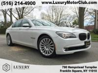Exterior Color: white, Body: Sedan, Engine: 4.4L V8 32V