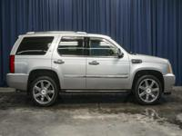 Clean Carfax 4x4 Hybrid SUV with Leather 3rd Row Seat!