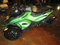 2012 Can-Am Spyder RS-S SM5 STILL UNDER WARRANTY TILL