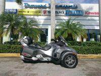2012 Can-Am Spyder RT-S SE5 BEAUTIFUL WITH LED LIGHTS