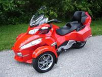 Can-Am Spyder RT-S SE5, AWESOME BIKE! NEW TIRES AND