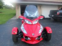 2012 Can-Am Spyder RT-S SM5, My Can-am has low miles