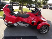 2012 CAN-AM SPYDER RTS RED LED TRIKE WINDSHIELD.