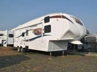 2012 CHAPARRAL BY COACHMEN 330FBH, tan, chaparral