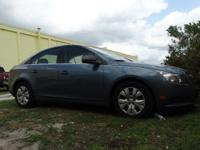 PREMIUM & KEY FEATURES ON THIS 2012 Chevrolet Cruze