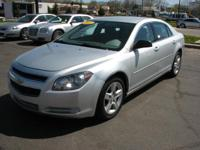 This 2012 Chevrolet Malibu midsize sedan available in