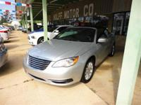 2012 Chrysler 200 2dr Car Touring Our Location is: