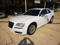 2012 Chrysler 300 4dr Car Limited Our Location is: