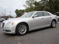 2012 CHRYSLER 300 LIMITED, ONLY 26K MILES, DUAL PWR