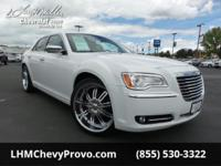 Boasts 31 Highway MPG and 19 City MPG! This Chrysler