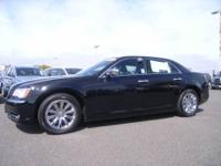 2012 Chrysler 300C 4dr Rear-wheel Drive Sedan Base