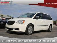 2012 Chrysler Town & Country Touring-L Stow 'N Go,