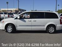 Options:  2012 Chrysler Town & Country 4Dr Wgn