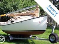 Here is a very nice little daysailer sailboat and