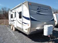2012 CrossRoads RV Zinger M-23FB. Available for sale is