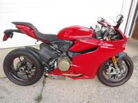 The motorcycle sports an 1198cc, Superquadro, L-Twin