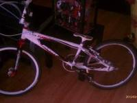 2012 expert avent 19.25 top tube race bike, 28 hole