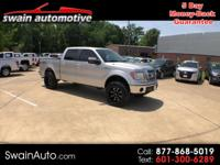 LOADED UP BEAUTY!! CREW CAB 4WD SHORT BED LARIAT,