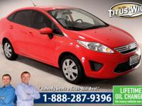 Fiesta SE, 4D Sedan, 5-Speed Manual, and FWD. There's
