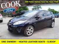 * ONE OWNER!! * - HEATED BLACK LEATHER SEATS - SUN ROOF