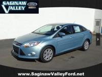 2012 Ford Focus SE...SIDE AIRBAGS!!!, This vehicle