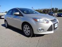 2012 Ford Focus SE sedan with fuel saving 4 cylinder