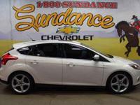 2012 Ford Focus Titanium, White, Titanium Handling